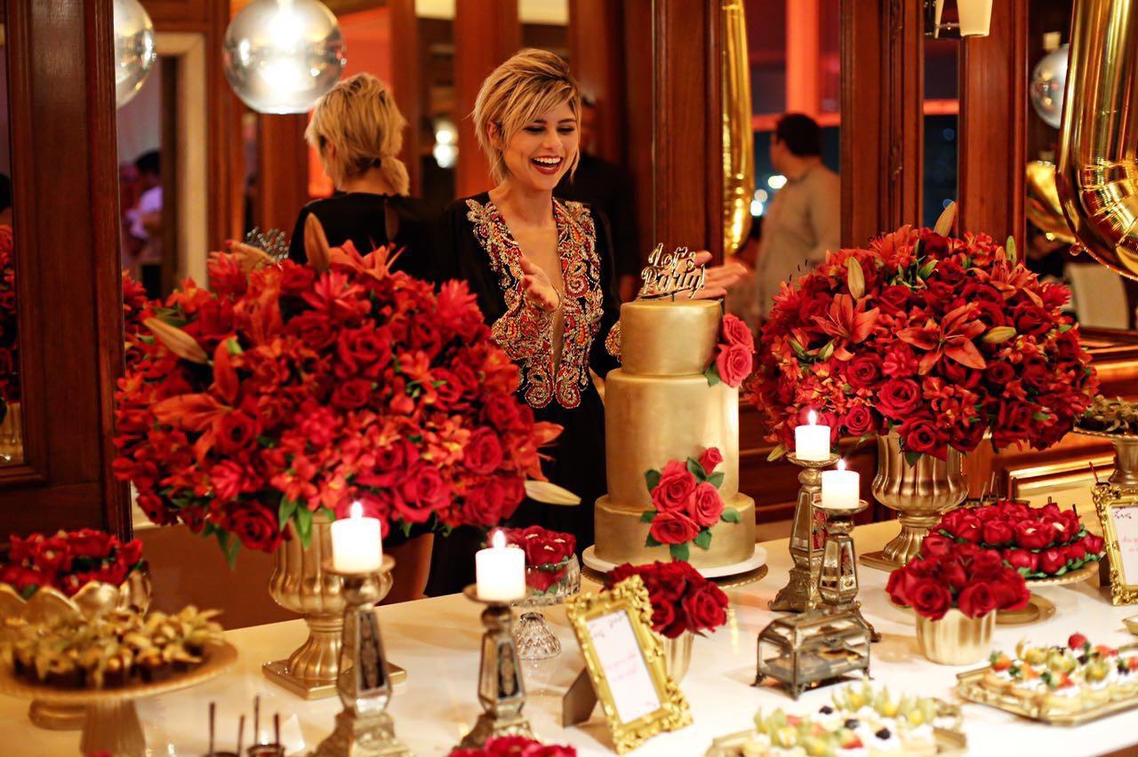 Festa de Adulto - Red and Gold para Ju Trevisol - Georgia Festas